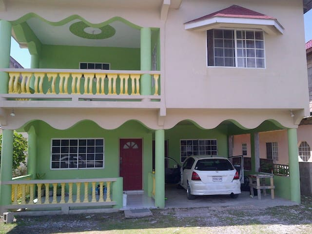 Ocean Breeze - Lucea - House