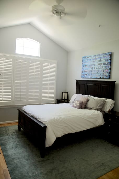 Private bedroom with great light and high ceilings