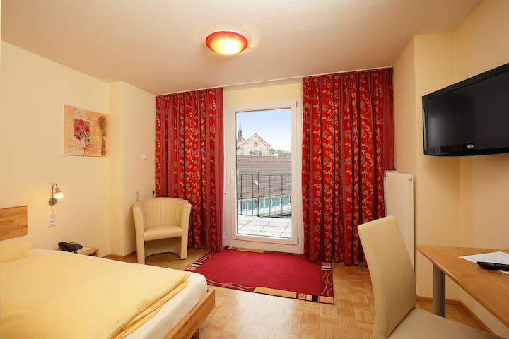 Hotel Lindenhof, (Bräunlingen), Classic Einzelzimmer mit Dusche und WC