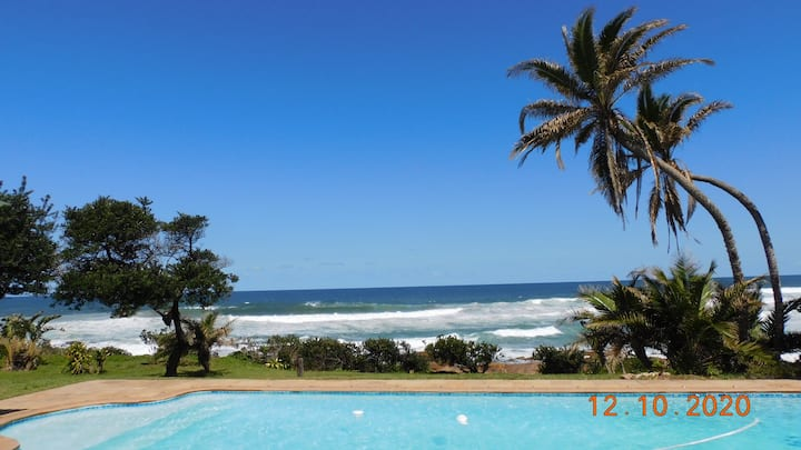 Beachfront studio - 20 metres to Southbroom beach