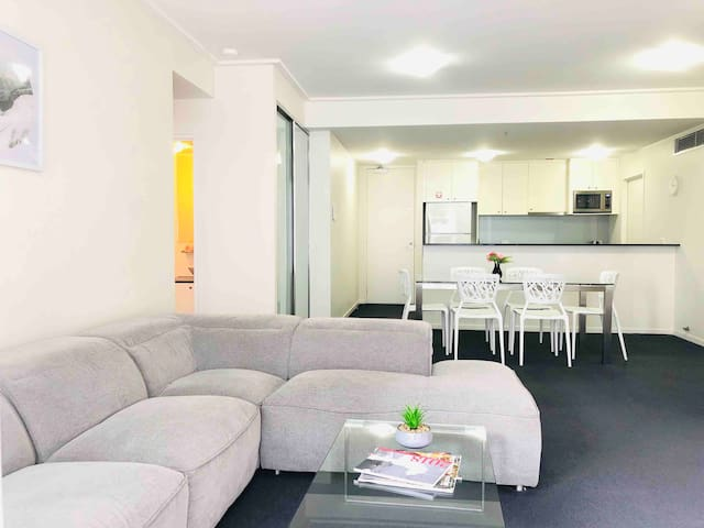 Central CBD two bedrooms apartment