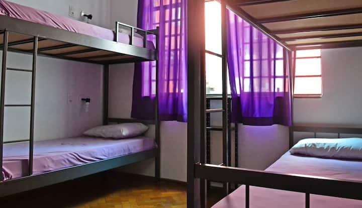 Rock! and Hostel - Quarto Feminino 6 pessoas