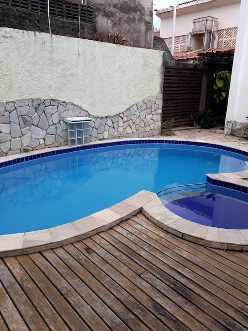 piscina a disposição