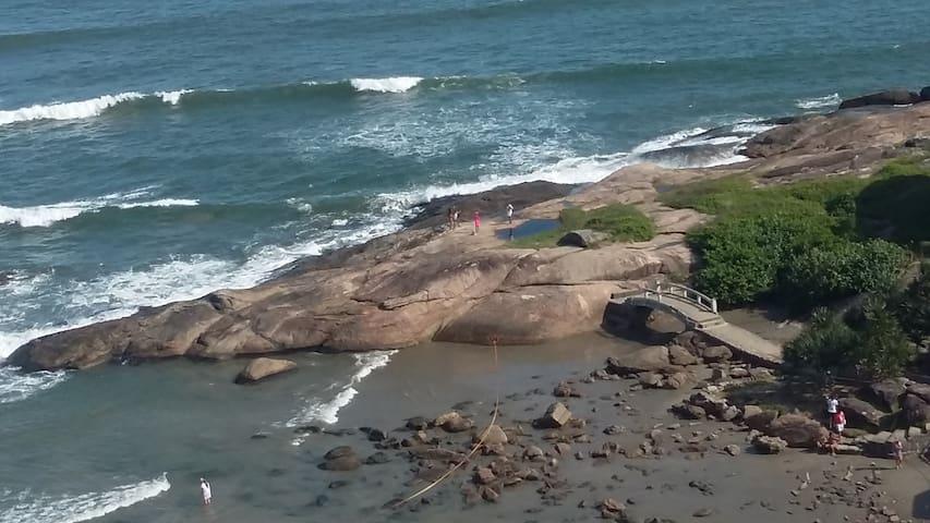 Kitnet - Andar Alto - Frente ao Mar