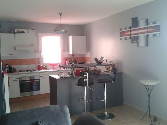 Chambre d'amis cosy - Gaillac - Hus