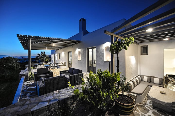NEW Designer Villa for 8, Sea View, Faragas Beach