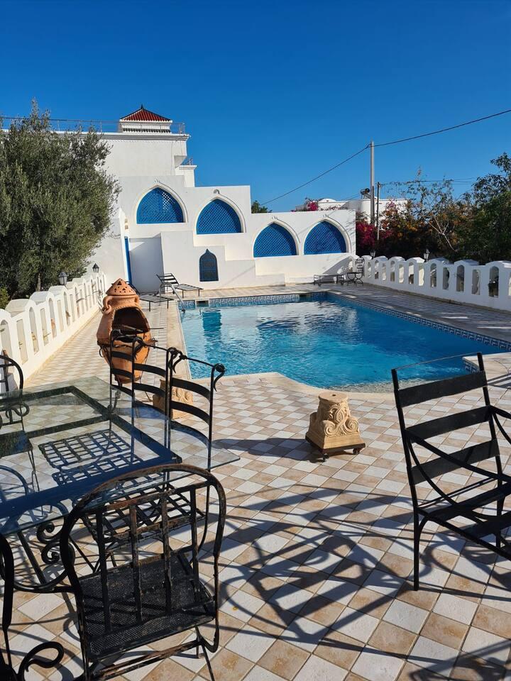 Villa bougainvilliers avec piscine privée, 8 pers.