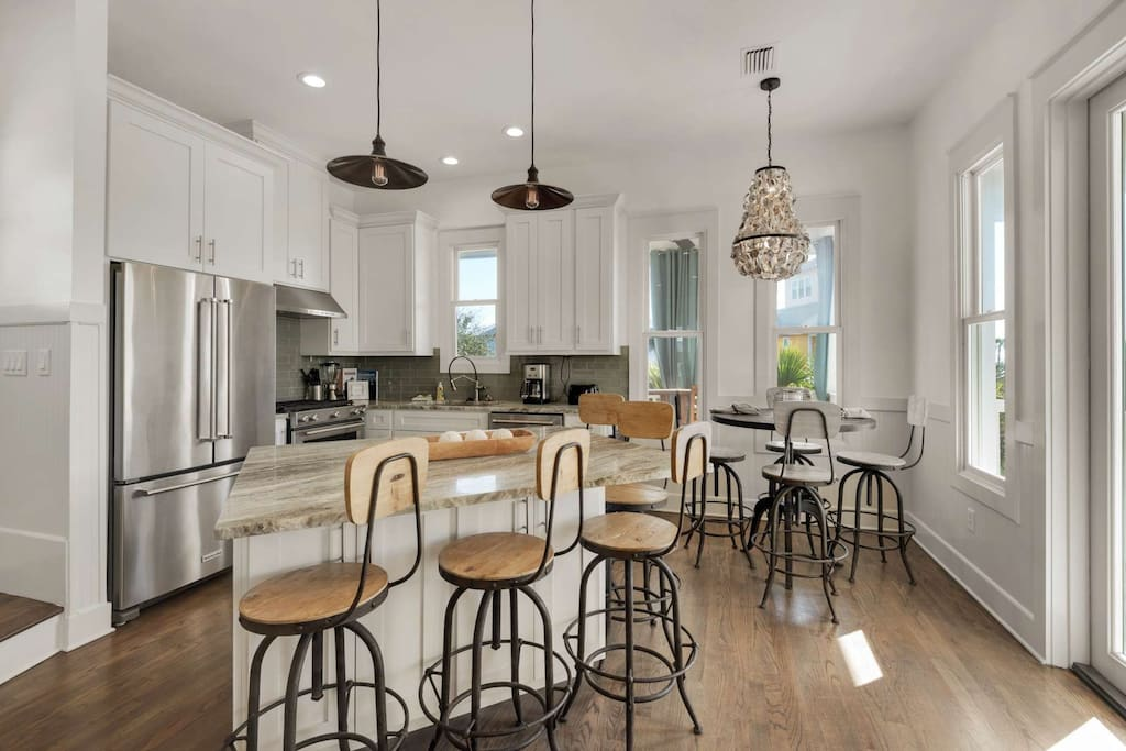 Beautiful Kitchen with plenty of seating.