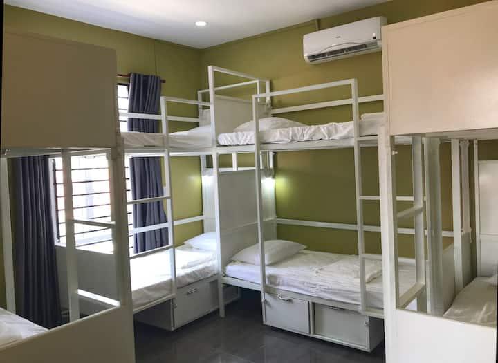 Pub Street Villa;Room with 10 bunk bed,pickup&pool