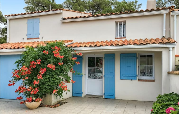 Holiday cottage with 3 bedrooms on 95m² in La Tranche sur Mer