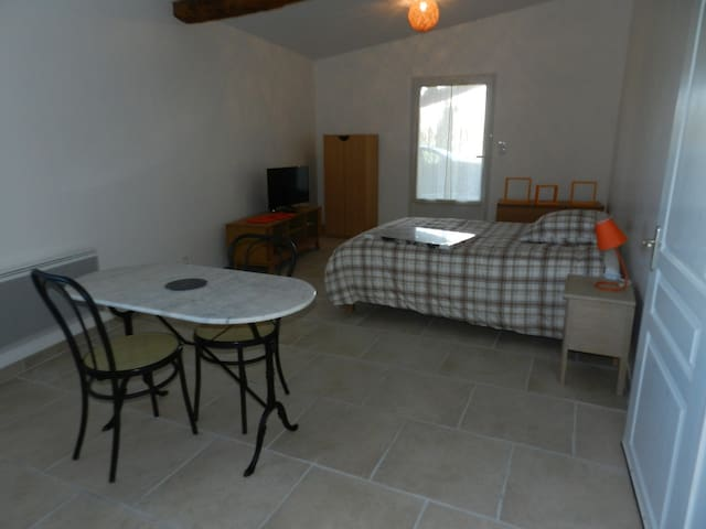 studio - Espalais - Appartement