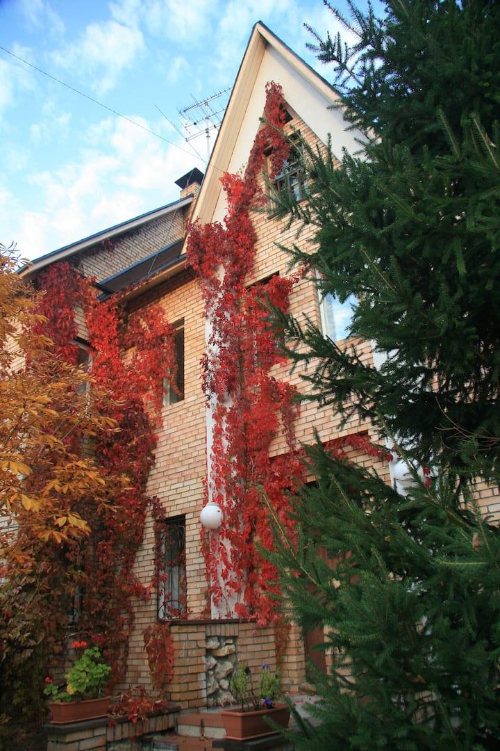 Уютный дом на Красной глинке у Сокольих гор