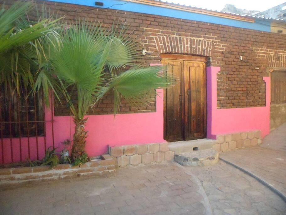 Department front door - Puerta Principal