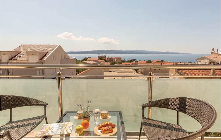 Holiday apartment with 2 bedrooms on 46m² in Baska Voda