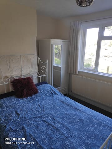 Cozy and quite room near Southampton University