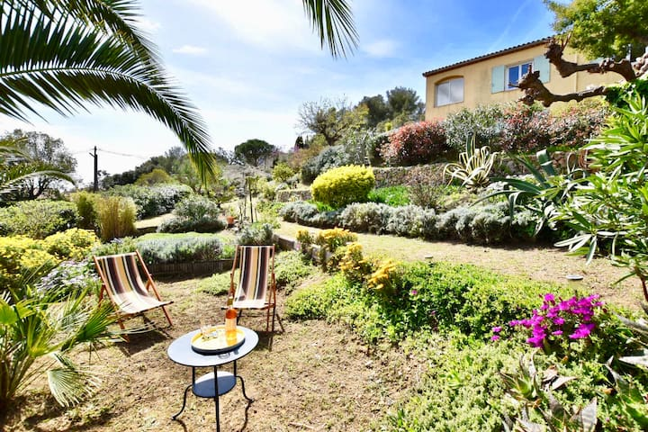 Superbe rdc de villa, terrasse couverte, jardin.