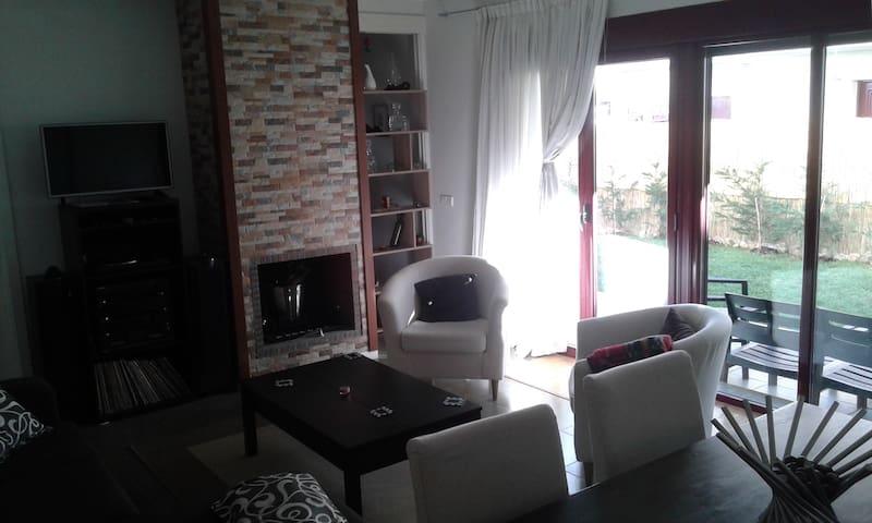 Habitación cama doble en Tizneros, Segovia