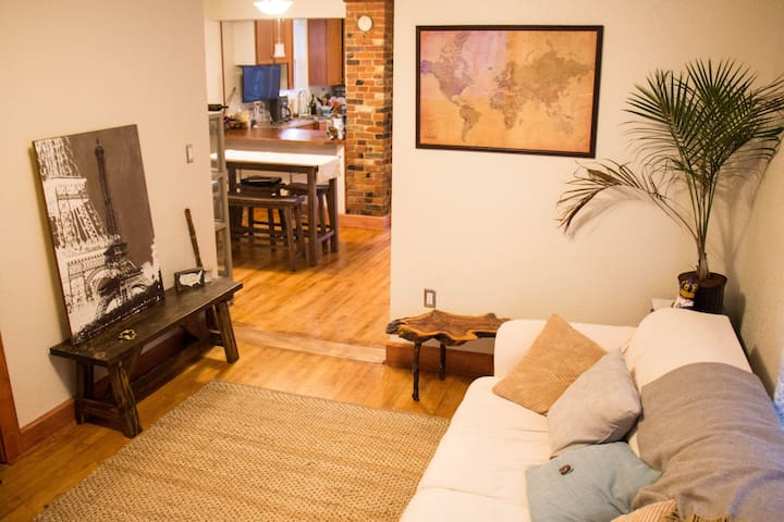 Cozy B&B Suite, Center of Everything!