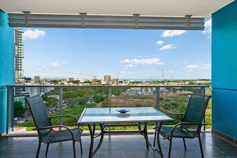 City Apartment w Breakfast, parking Wifi & Foxtel