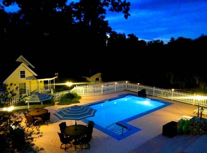 The Villages-Ocala Sleeps 22 Pool*Hot Tub*Fire-Pit