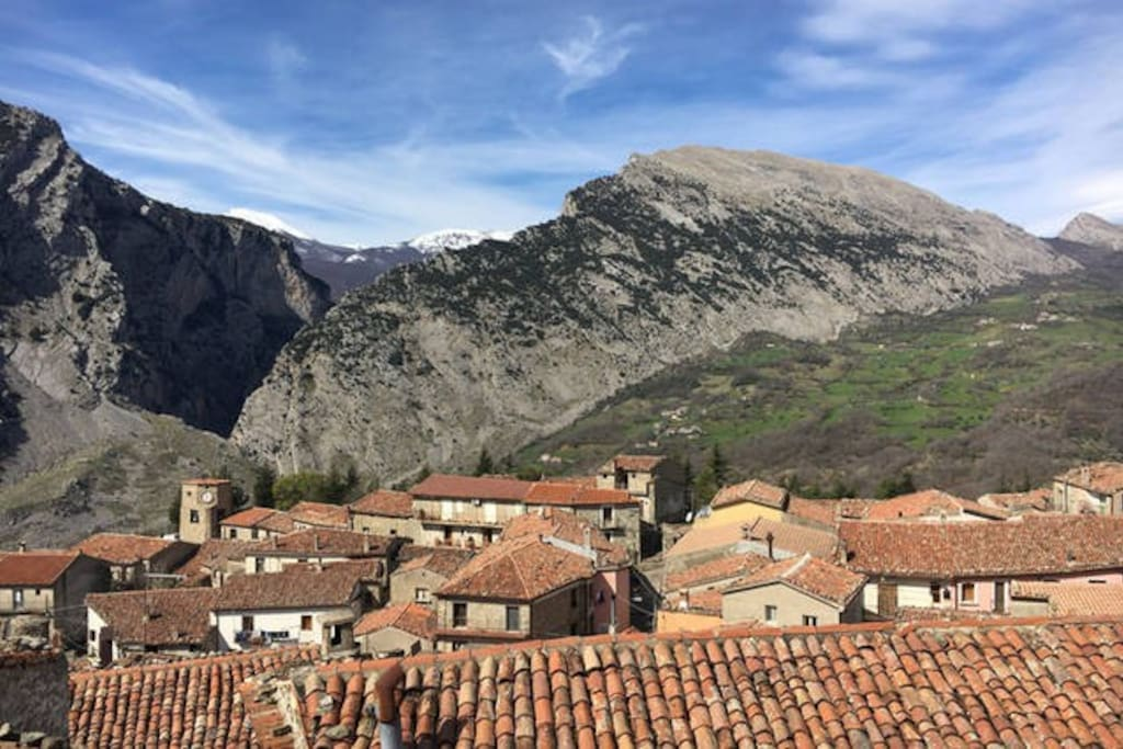 View from Casa MASTROTA's balcony of the city center and the Pollino National  Park high peaks: Dolce Dorme, Serra delle Ciaole, Gole alte del Raganello (biggest European Canion).  The Park has been recognised as UNESCO World Eritage: Pollino GEOPARCO Mondiale UNESCO