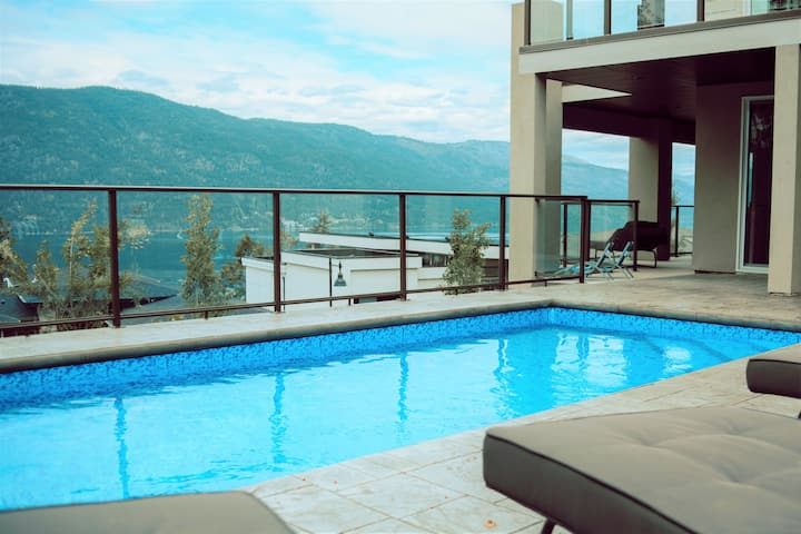 Gorgeous lake view home in sunny Kelowna, BC