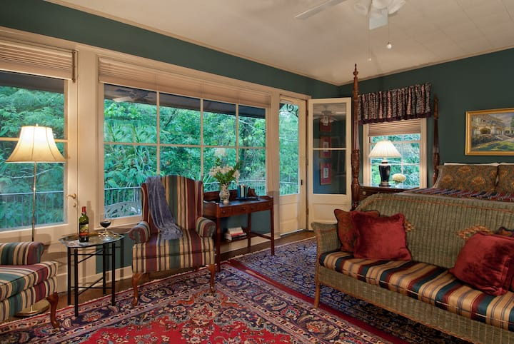 Blue Room - The Stockade Bed & Breakfast