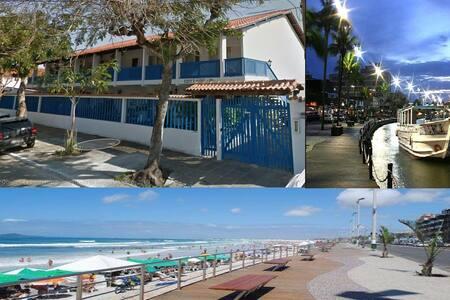 Apartamento mobiliado em Condomínio fechado - Cabo Frio - Apartment