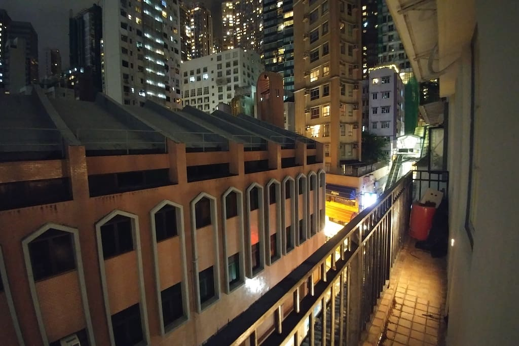 Balcony (North)