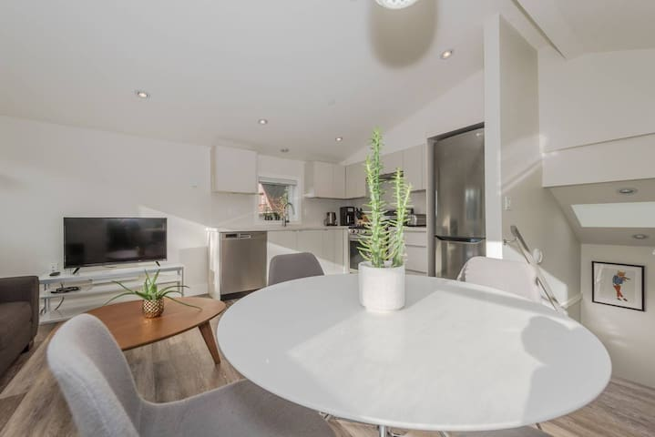 New Luxury Jericho Beach House