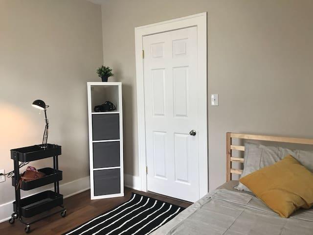 Clean cozy rooms in Hamtramck