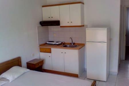 Dimitra's apartments - Nea Vrasna - Leilighet