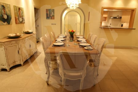 3 B/R on Iconic Palm Jumeirah - Flat
