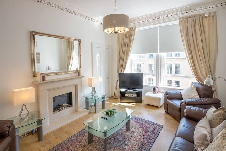 Stunning Tollcross Apartment
