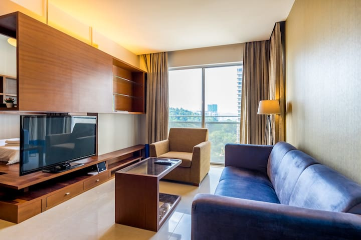Luxury Cozy Stay 2 Bedroom with WIFI in Mont Kiara