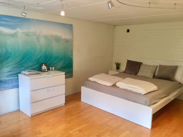 "Maddy's Villa, Viken by the sea. ""SURFERS' ROOM""."