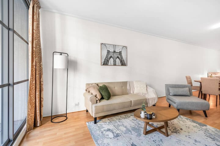 *SANITISED* Spacious Urban Culture Apartment + Sydney CBD
