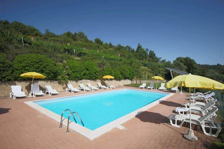 Sprookjesachtig stenen huis in Toscane met privézwembad