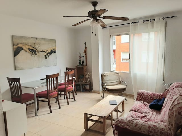 Nice and cozy appartment near Ciudad de Las Artes