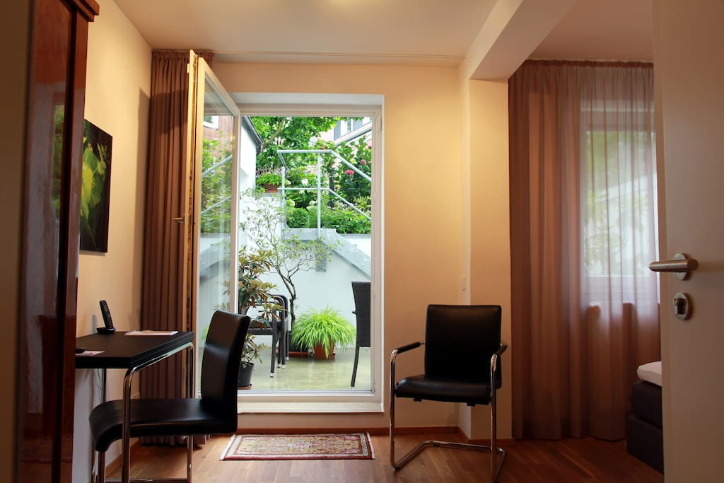 firstclass apartment hamburg altona wohnungen zur miete in hamburg hamburg deutschland. Black Bedroom Furniture Sets. Home Design Ideas