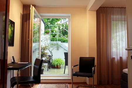 FirstClass Apartment Hamburg-Altona