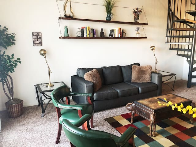 Industrial Two Bedroom Loft (MIDTOWN)