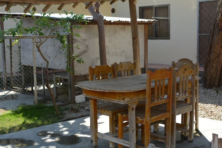 Dili Central Backpackers Budget Double/Twin Room - Díli - Huvila