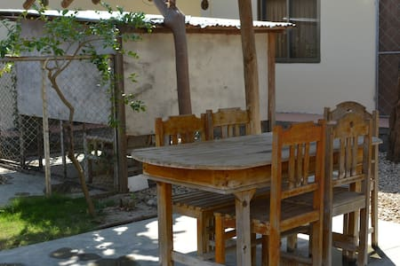 Dili Central Backpackers Budget Double/Twin Room - Díli - Villa