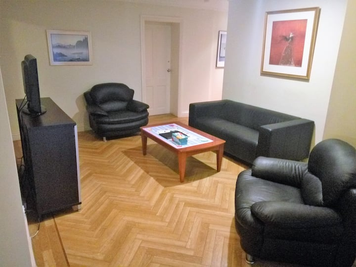 3 Bedroom Apartment with Kitchen & Balcony