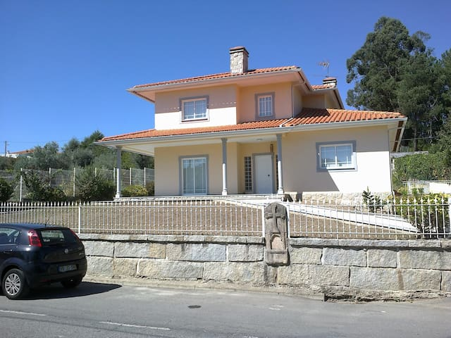 House - 60 km from the beach - Viseu