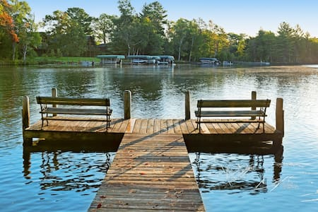 Dog-friendly cabin w/private deck, shared tennis court & dock on Voyageur Lake!