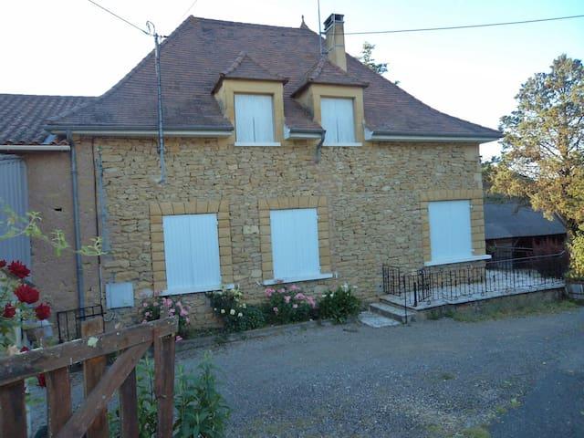 Maison Perigordine Proche Lascaux Et Sarlat