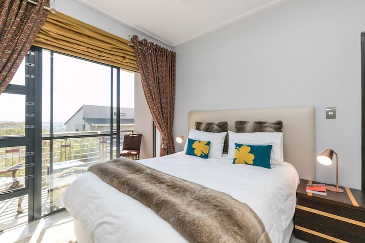 3 bed in a golf estate near Lanseria airport