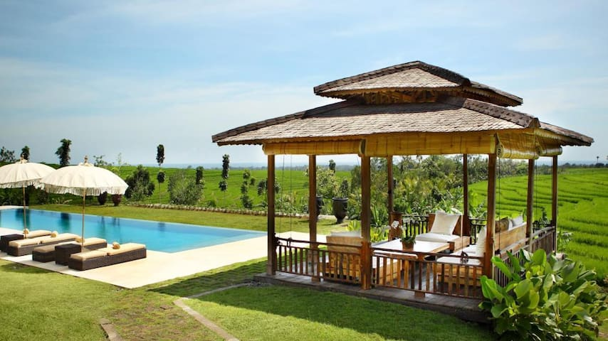 Villa in the middle of RiceField - Selemadeg Timur - Villa